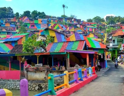INDONESIAN 'RAINBOW VILLAGE' BECOMES HIT AFTER PAINT JOB