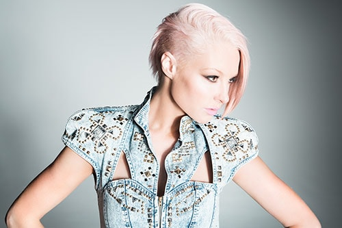 Up Close and personal with Emma Hewitt