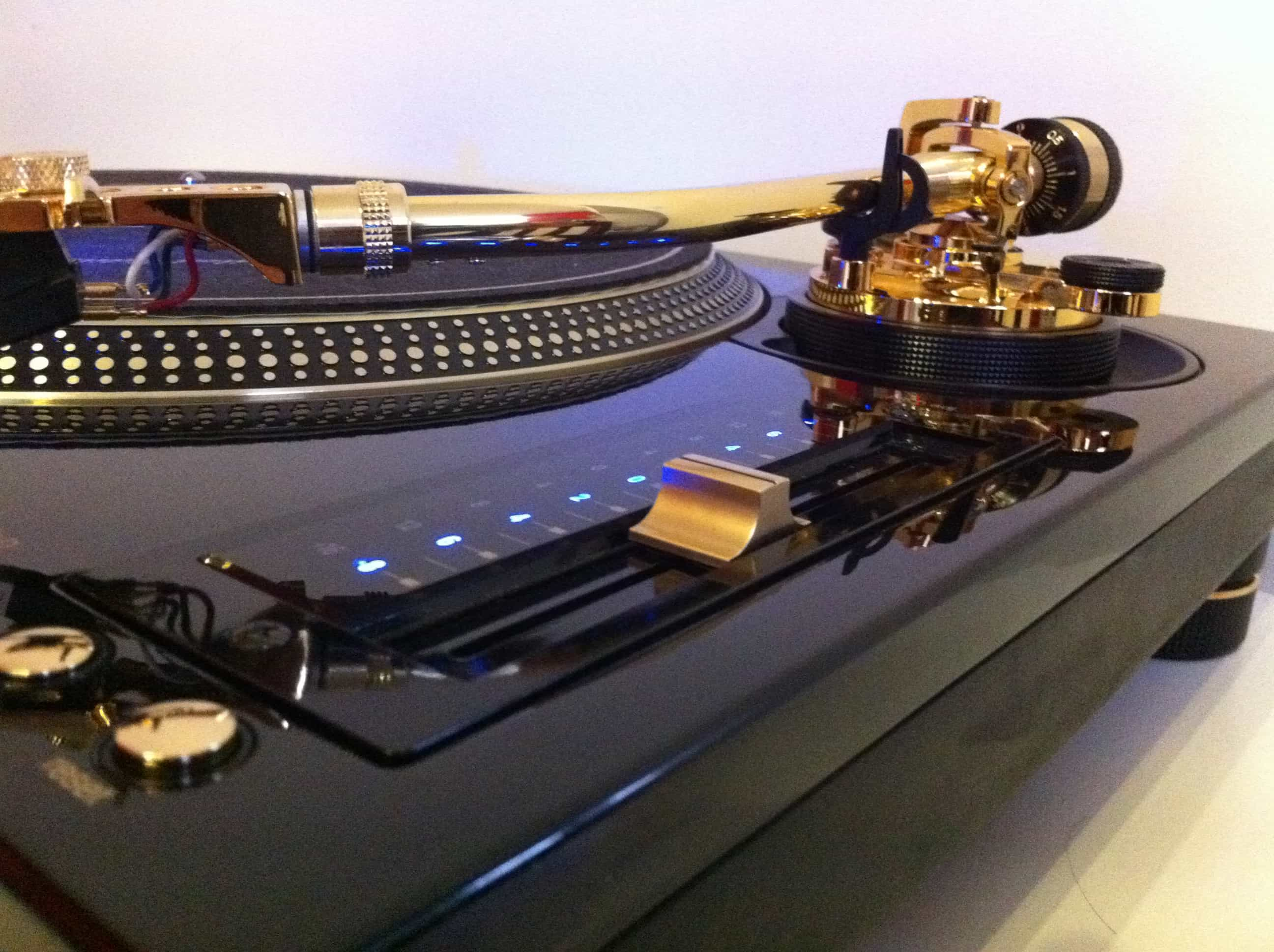 TECHNICS TURNTABLE SERIES RELAUNCHES IN 2016