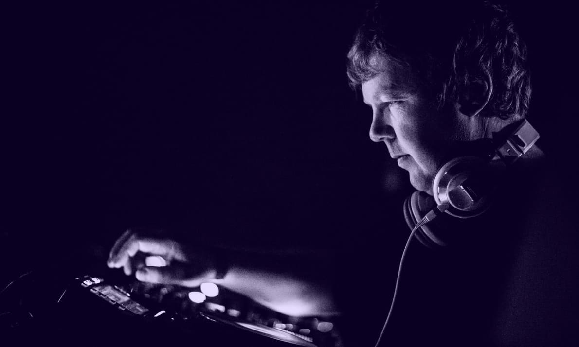 DIGGING INTO THE WORLD OF JOHN DIGWEED