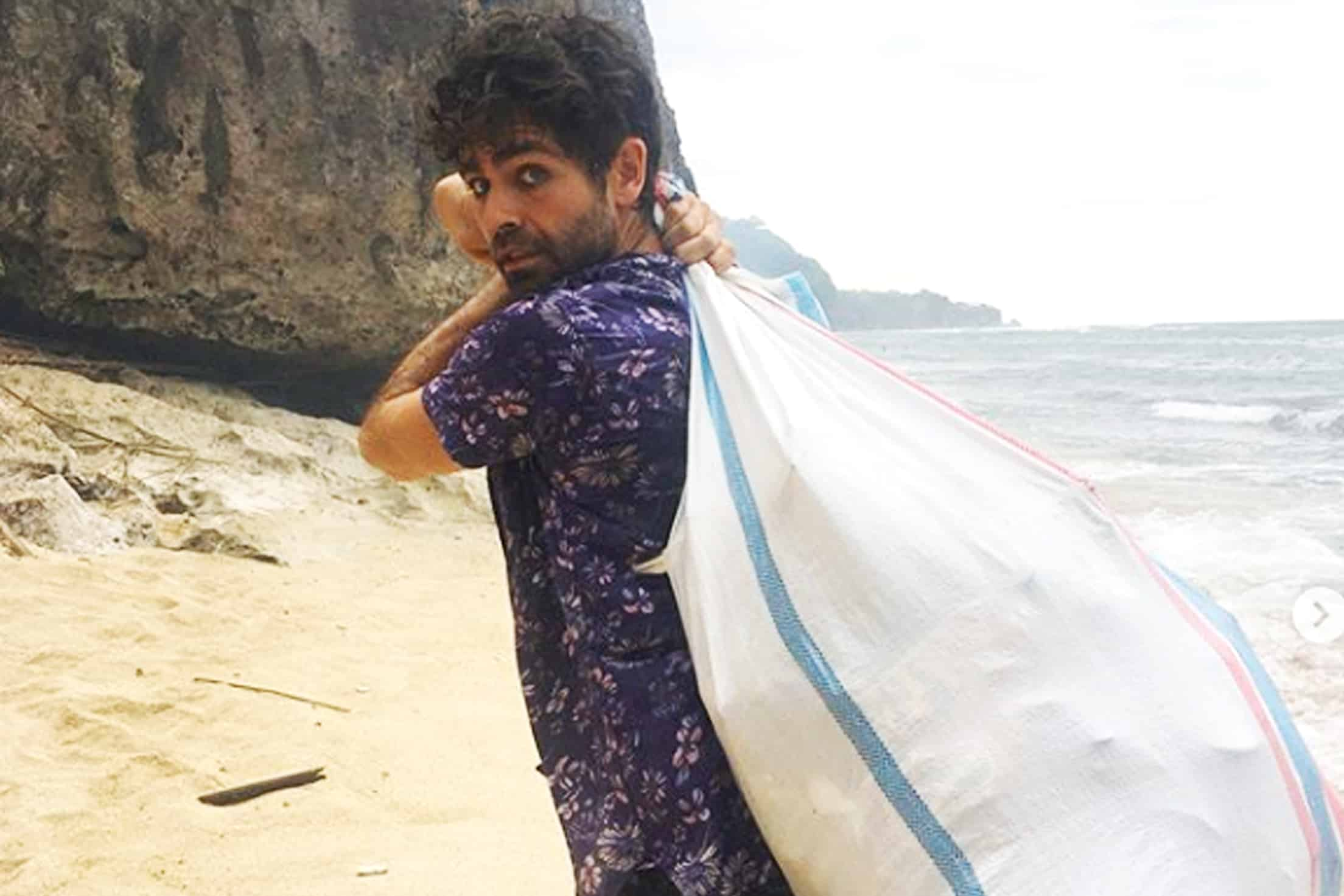 HOLLYWOOD ACTOR VISITS ULUWATU FOR RUBBISH COLLECTION LESSON